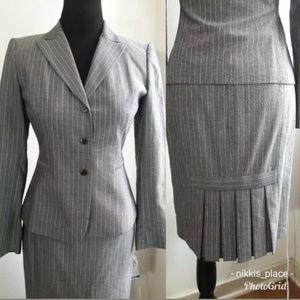 Tahari Pinstripe Skirt Suit Size 2P (NL)